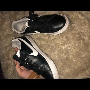 Nike Shoes - low top Nikes